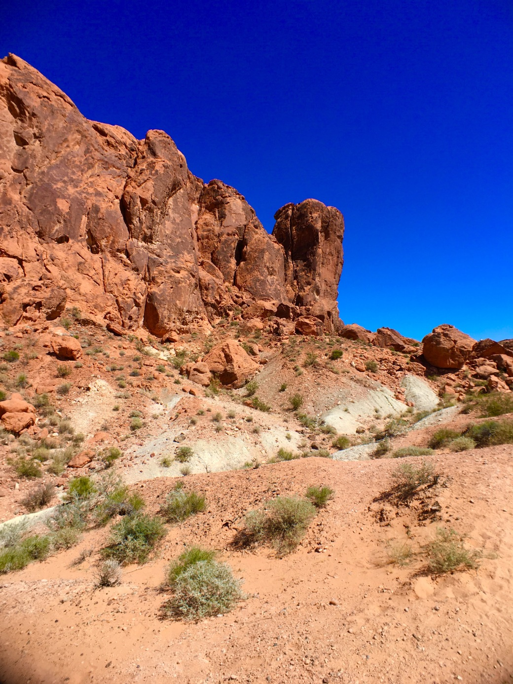 Red rock formation and blue sky in Valley of Fire State Park